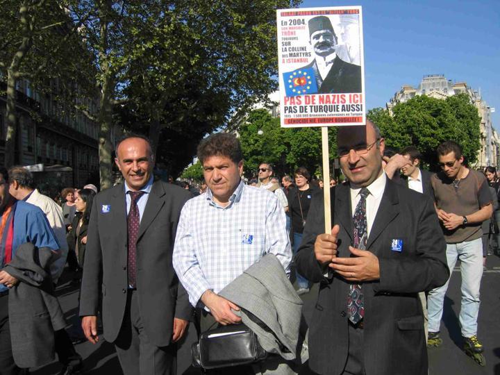 Armenian Genocide ArmenianProtestFrance.jpg